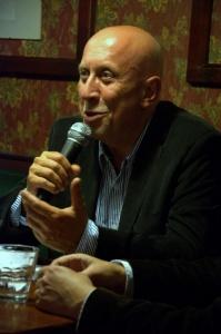 Czas na zmianę. (w ramach cyklu Debata Krakowska)  - marek lasota w krakowskim klubie wtorkowym fot. paweł zechenter10